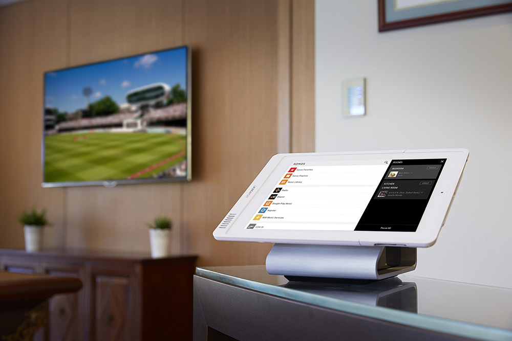 iport products launchport basestation silber alu. Black Bedroom Furniture Sets. Home Design Ideas